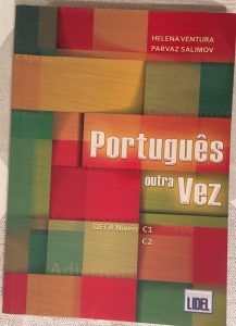 Book called Português outra Vez