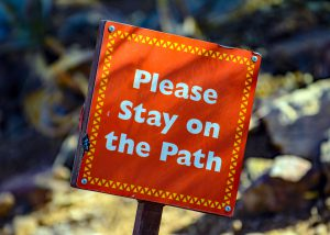 Prepositions-in-Portuguese-stay-on-the-path